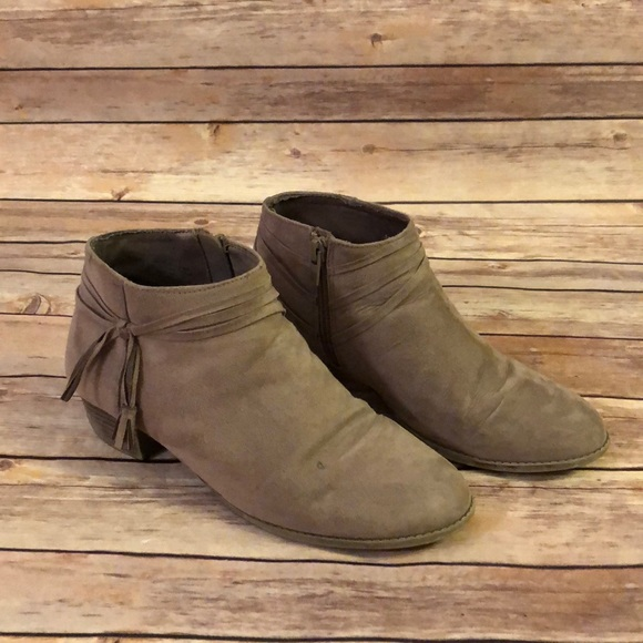 Old Navy Other - Girls Old Navy boots